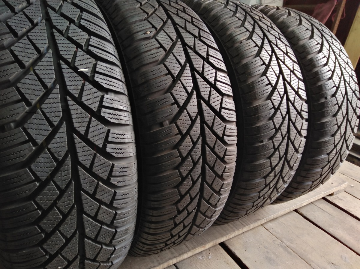 Continental ContiWinterContact  TS 830 195/60R 15