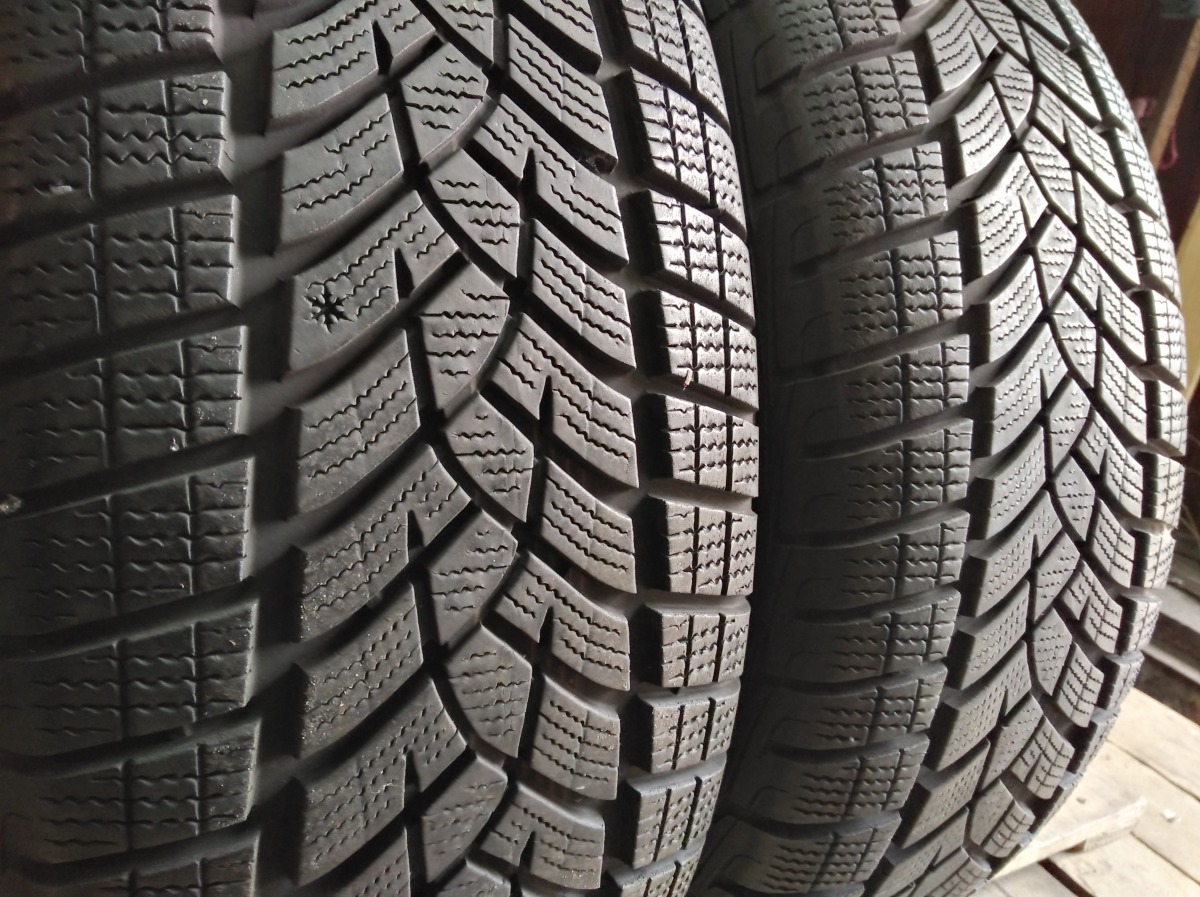 GoodYear Ultra Grip Performance 235/60R 18