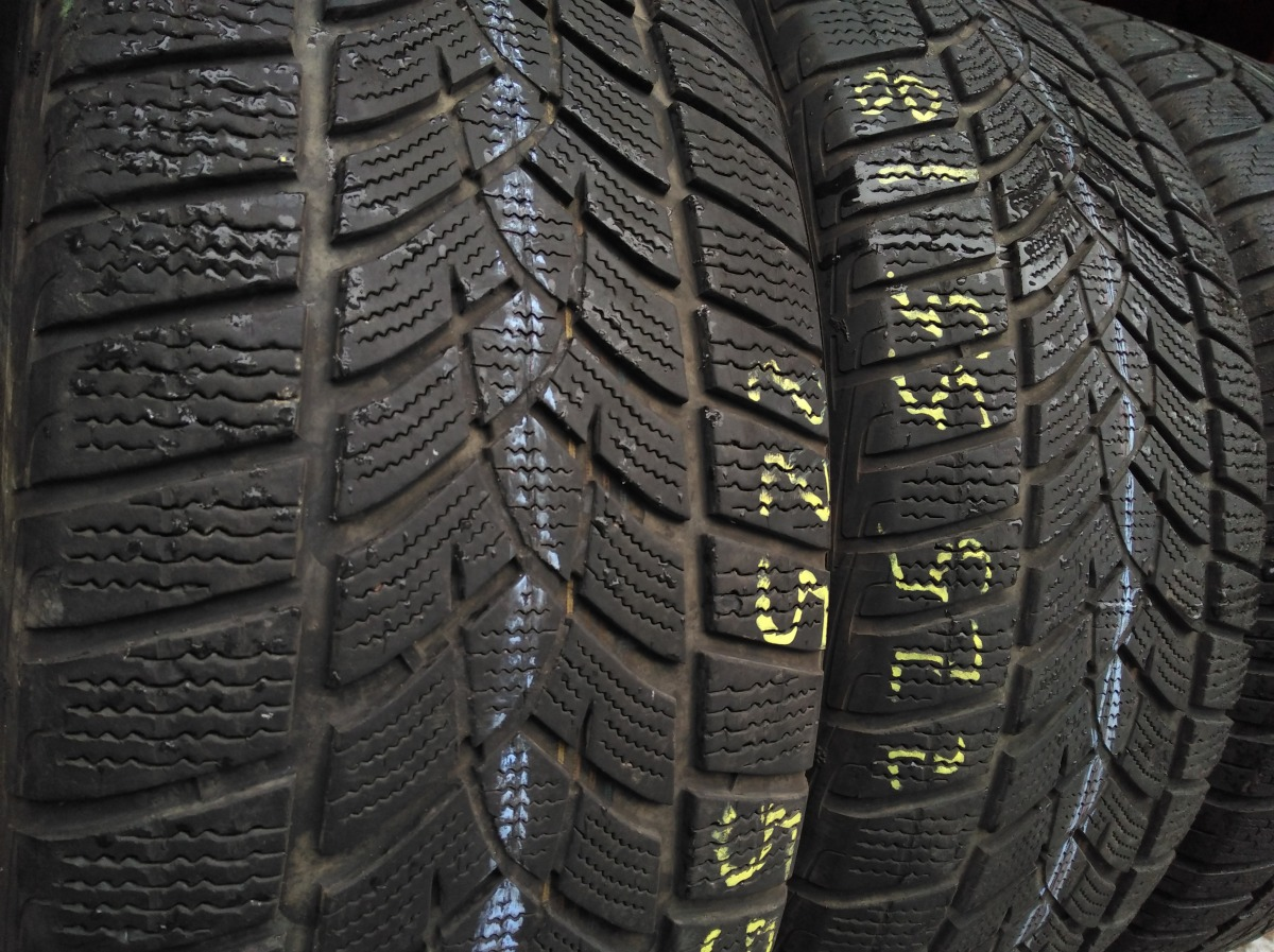 GoodYear Ultra Grip Performance 225/55R 18