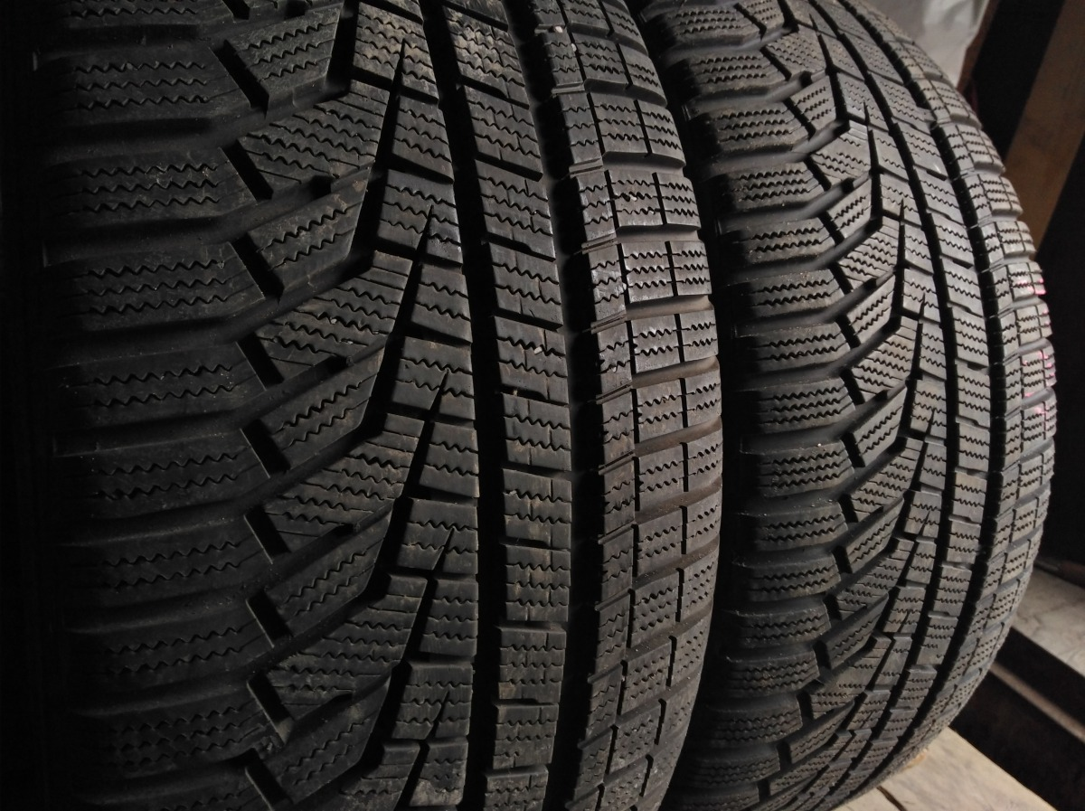 Hankook Winter I`cept EVO 2 245/45R 18