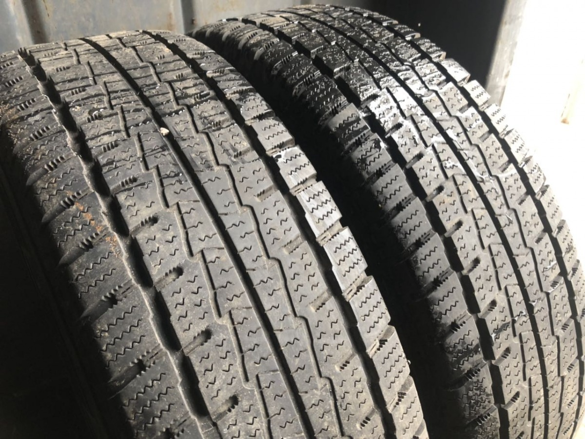Hankook Winter RW 06 215/75R 16C