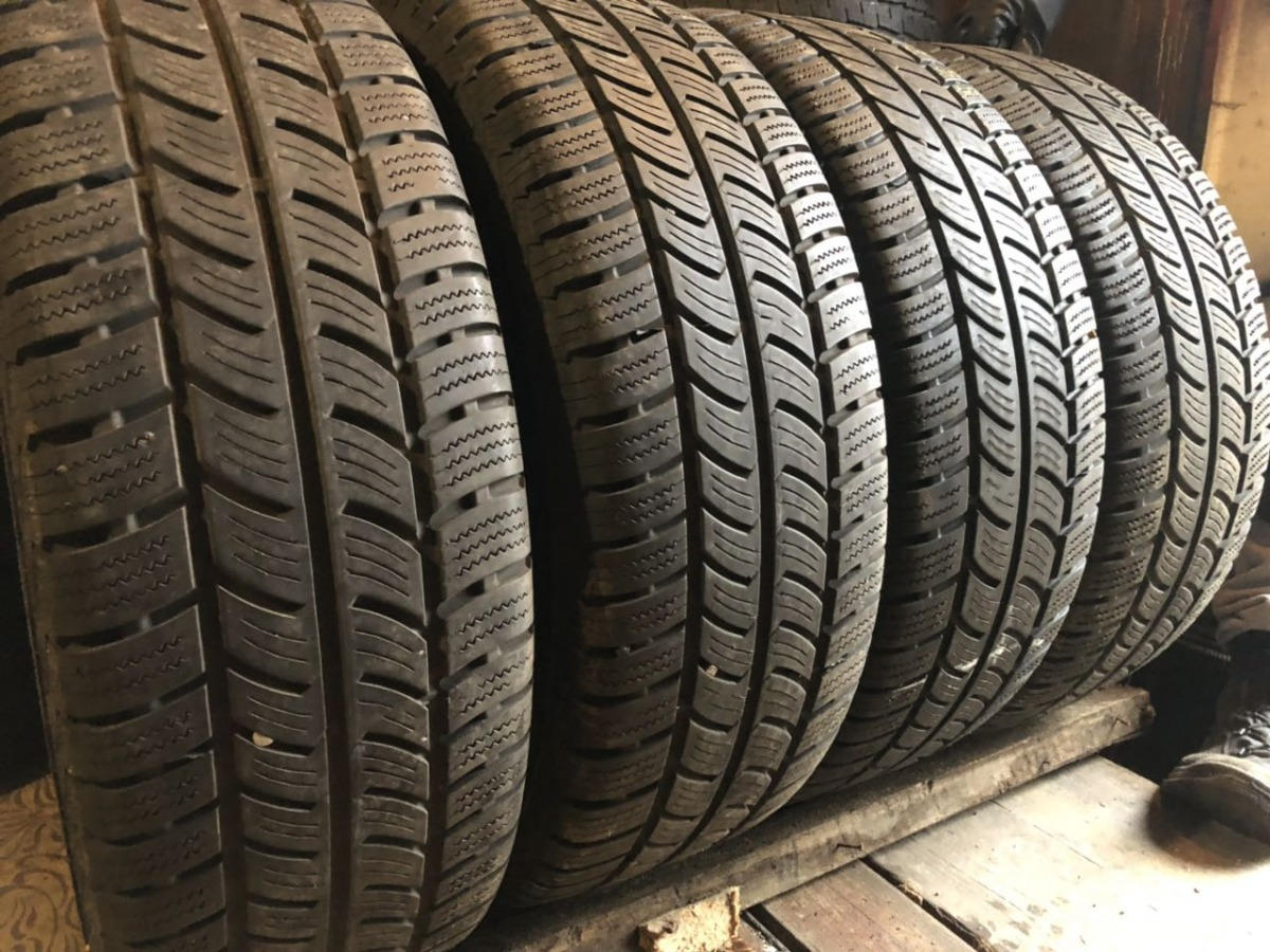 Continental Vanco Winter 2 235/65R 16C