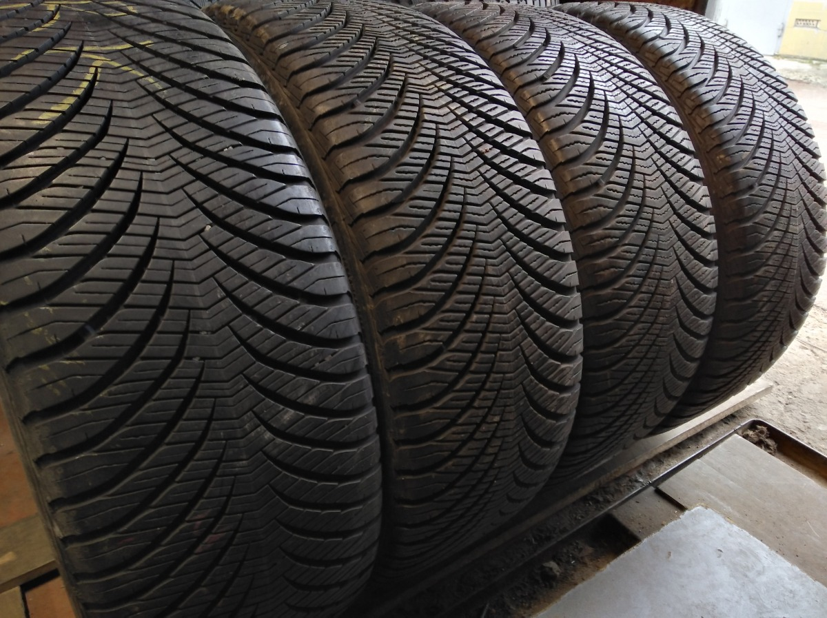 GoodYear Vector 4 season 225/55R 17