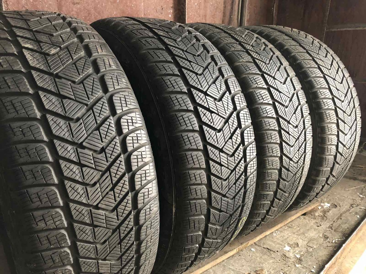 Pirelli Scorpion Winter 235/50R 18