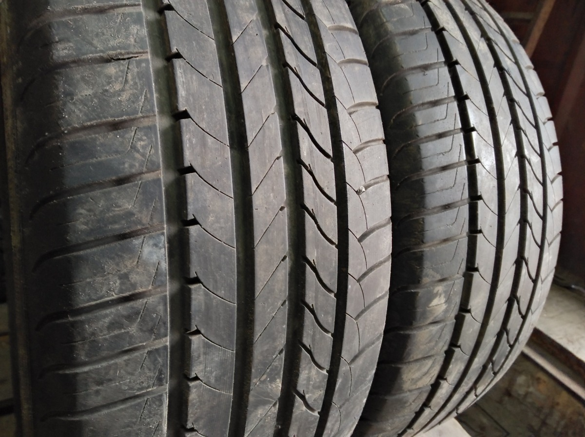 GoodYear Efficient Grip 4*4 215/50R 17
