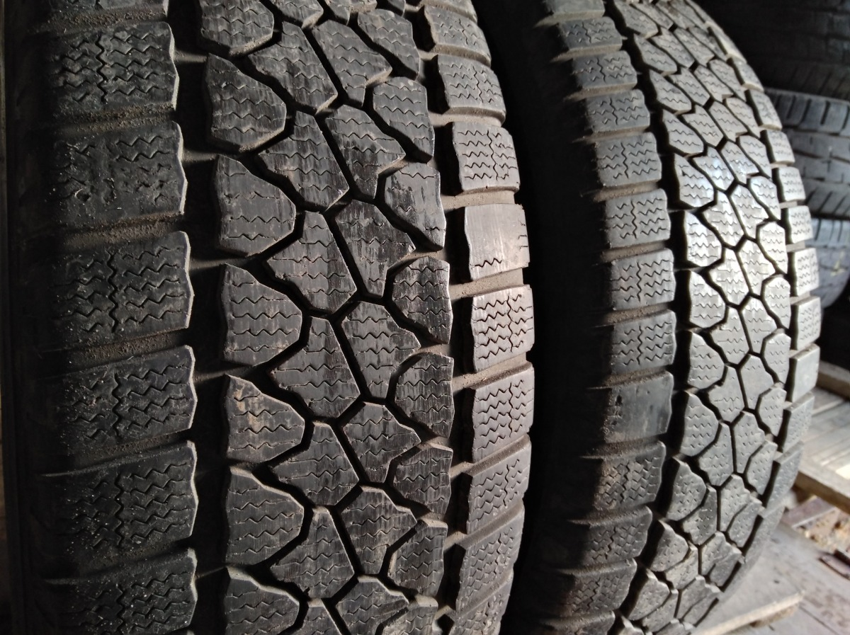 Dayton Van Winter 235/65R 16C