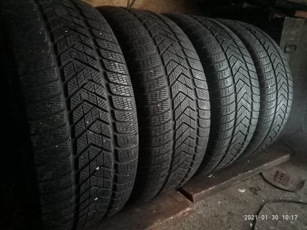 Pirelli Scorpion Winter/ 265/50R 20