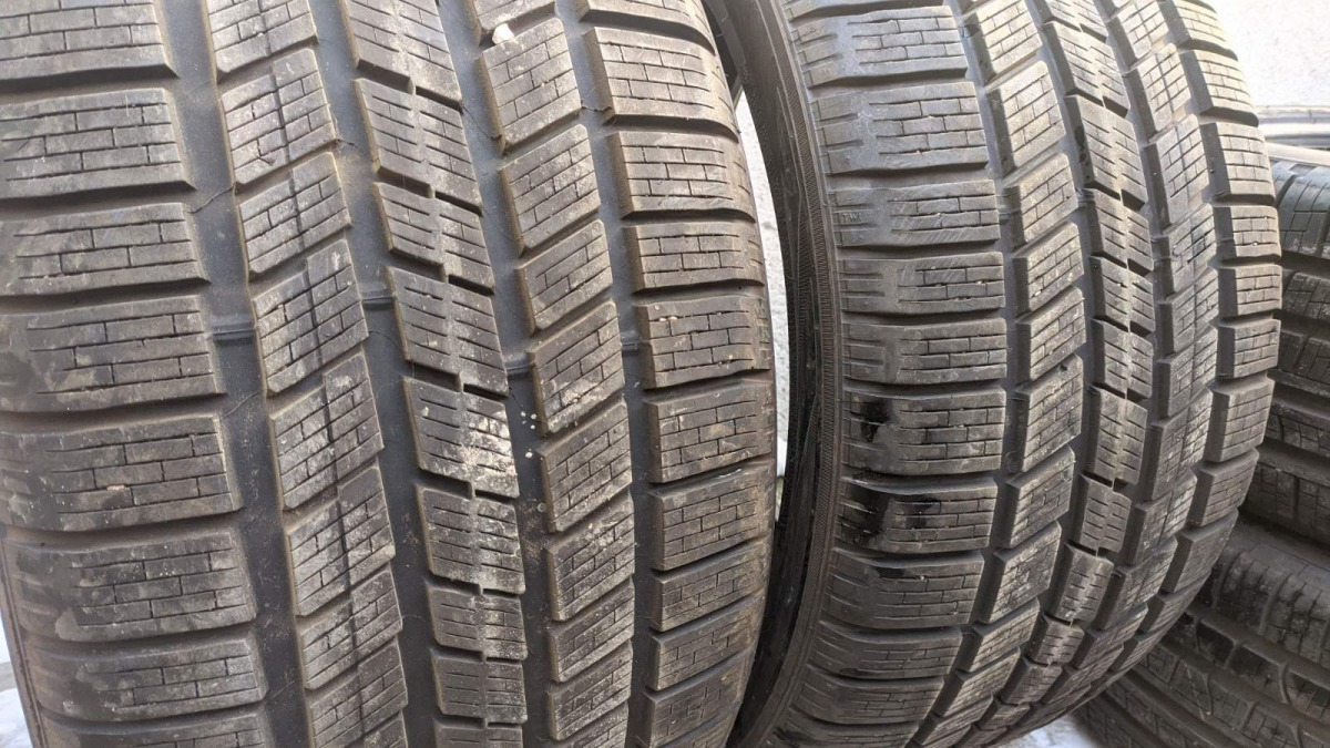 Pirelli Scorpion Ice Snow 295/35R 21