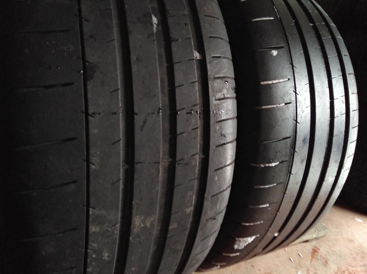 Michelin Pilot Super Sport. 255/40R 19