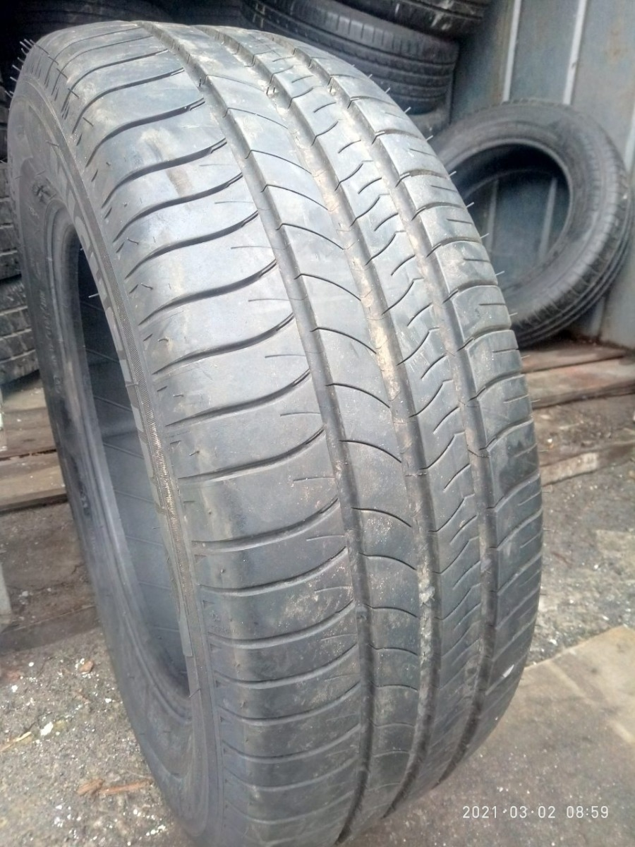 Michelin Energy Saver. 215/60R 16