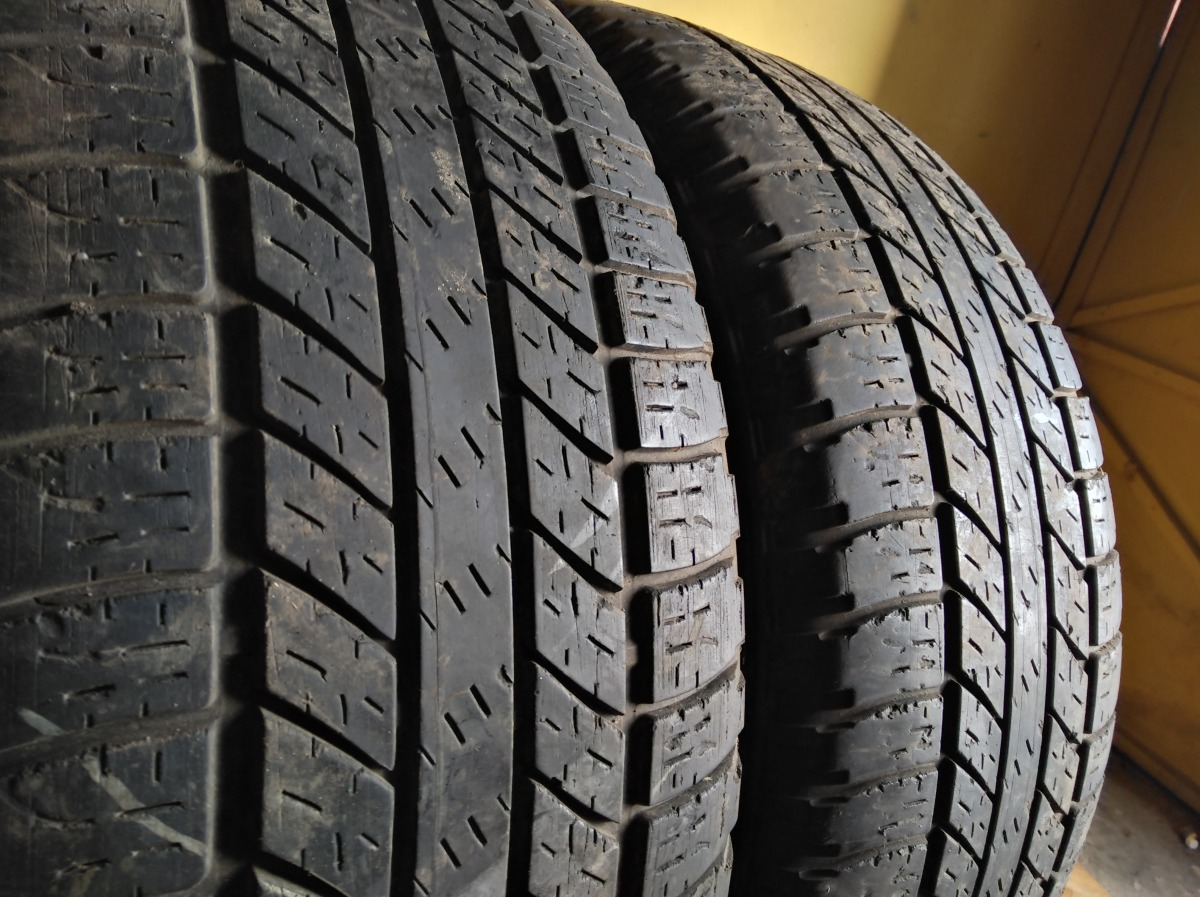 GoodYear Wrangler all weather 255/55R 19