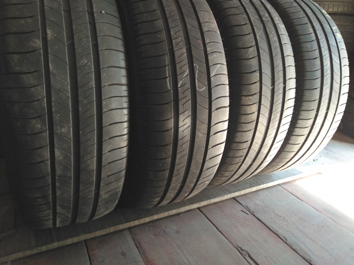 Michelin Energy-Saver 215/60R 16