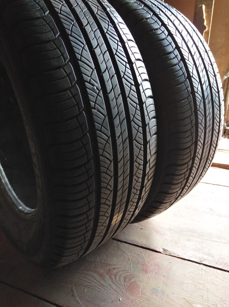 Michelin Latitude Tour HP 235/60R 16