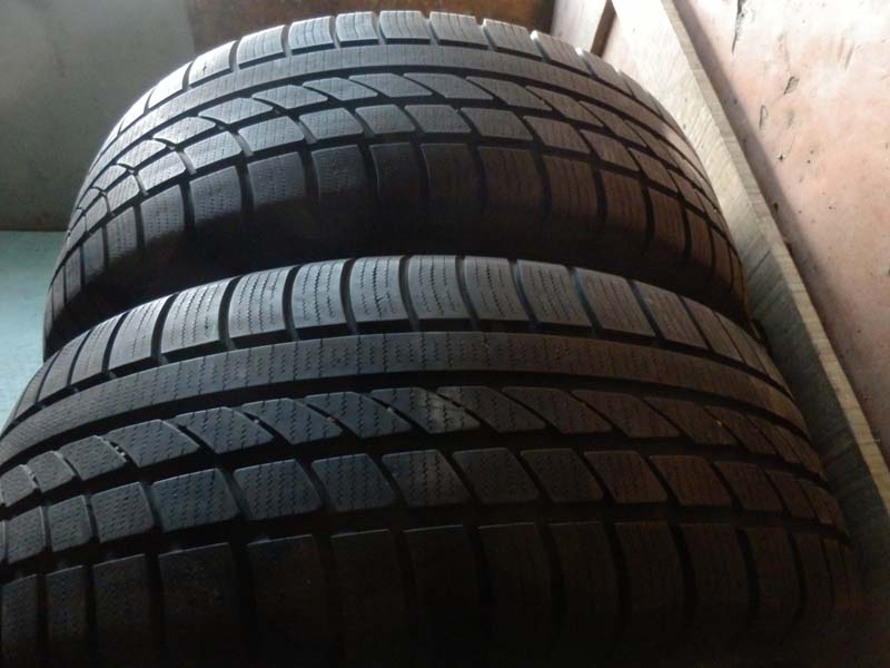 Hankook Ice Bear W 300 235/60R 18